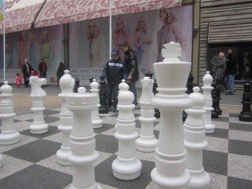 Ubergames Mega Giga - Figuras de ajedrez (94 cm) de plástico de alta calidad,...